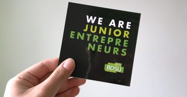 "Flyer mit Text ""We are Junior Entrepreneurs"""
